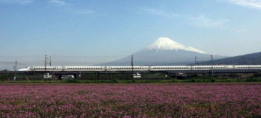 Monte Fuji visto desde el Tren Bala