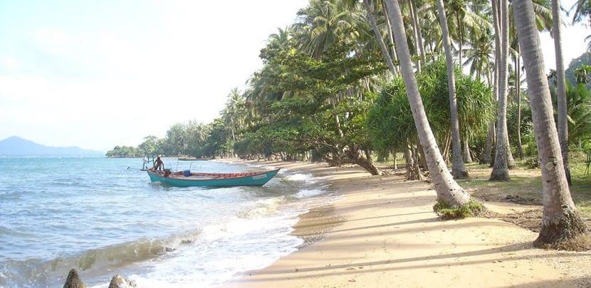 Orilla del mar de Koh Tonsay