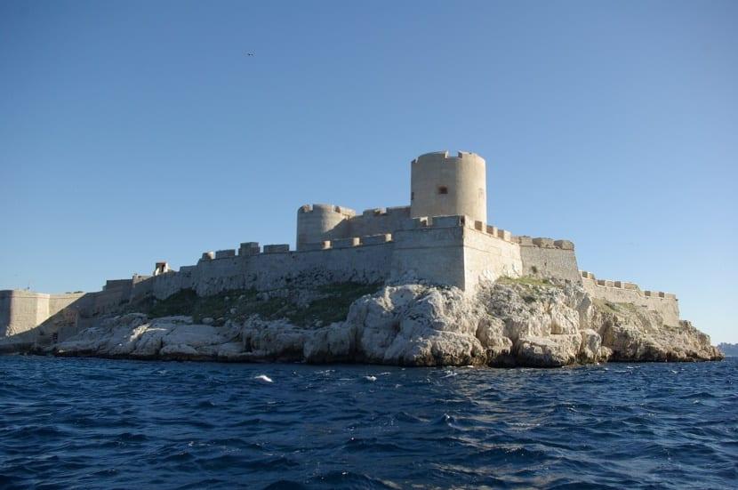 Carcel de Montecristo desde el mar