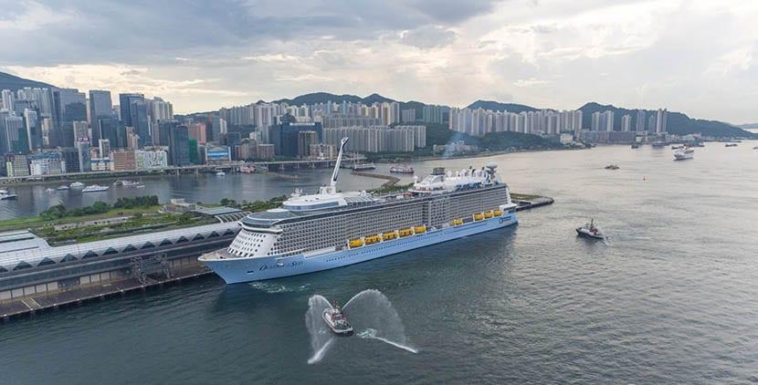 ovation-of-the-seas-en-hong-kong
