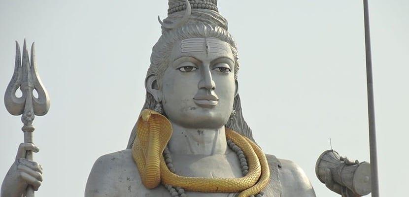 Estatua de Dios hindú, típico de la cultura india