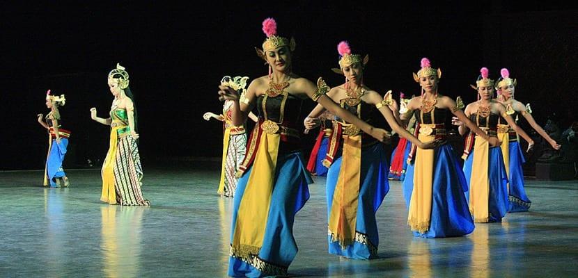 Danza típica de Indonesia