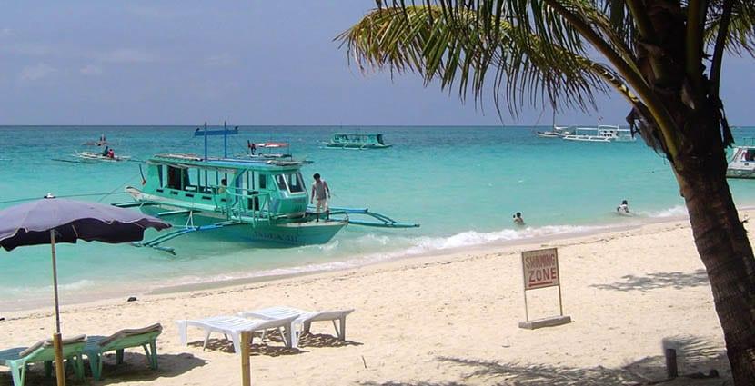 botes en Boracay