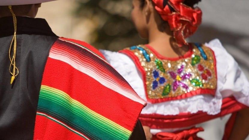 Ropa tradicional de las mujeres de Mexico