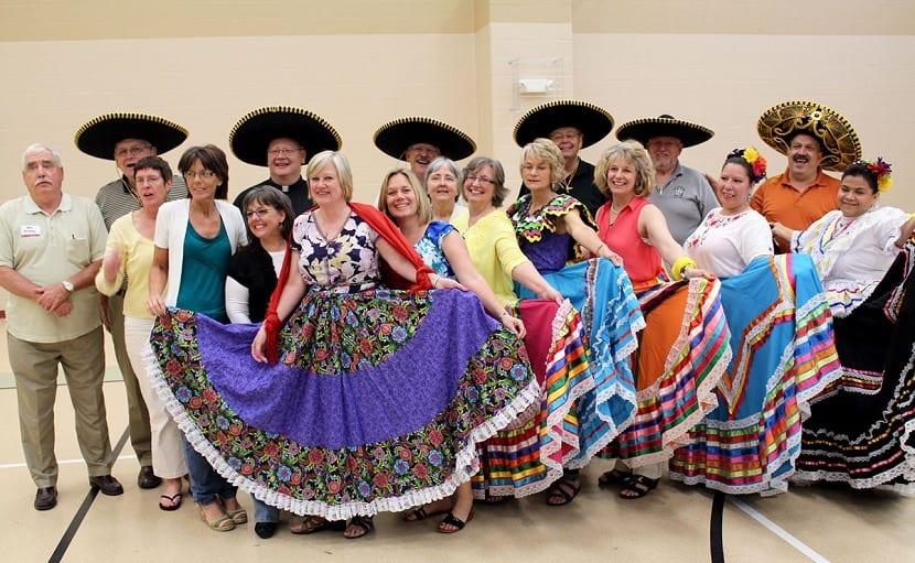 Mujeres de Mexico con turistas