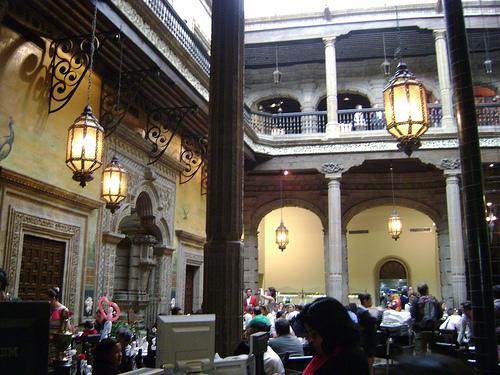 Turismo bajo lluvia en m xico df for Casa de los azulejos en mexico