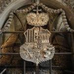 iglesia calaveras escudo