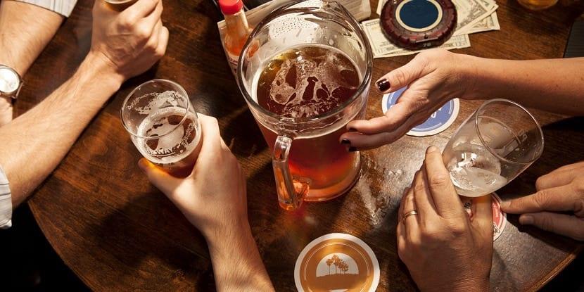 Jarras de cerveza india