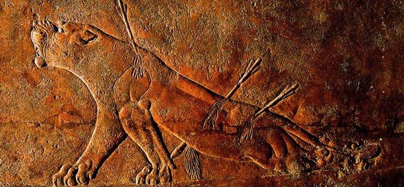 Relieve asirio de leona
