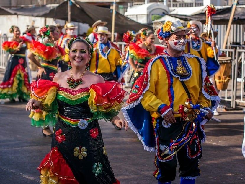 Vestimenta de fiesta en Ecuador