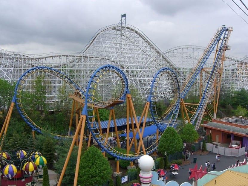 Montaña Rusa Six Flags
