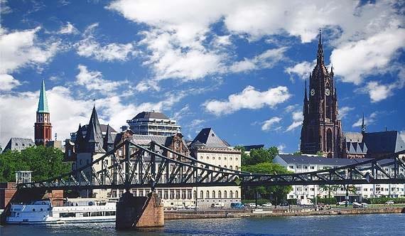 Preciosa vista de este conocido puente