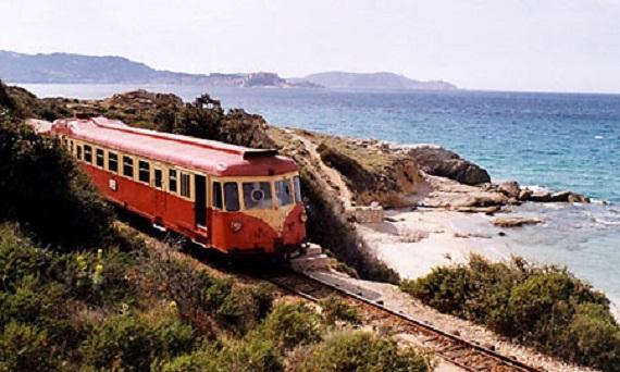 """U Trinighellu"", el tren que recorre Córcega"