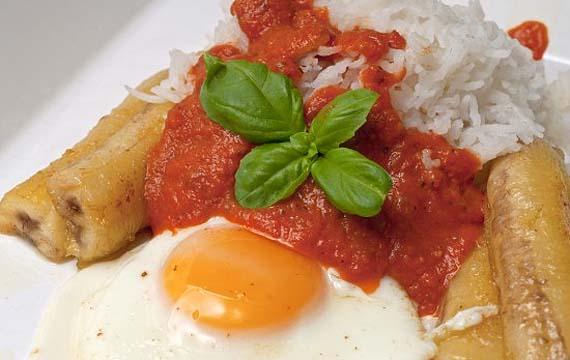 ¿Os apetece un buen plato de arroz a la cubana?