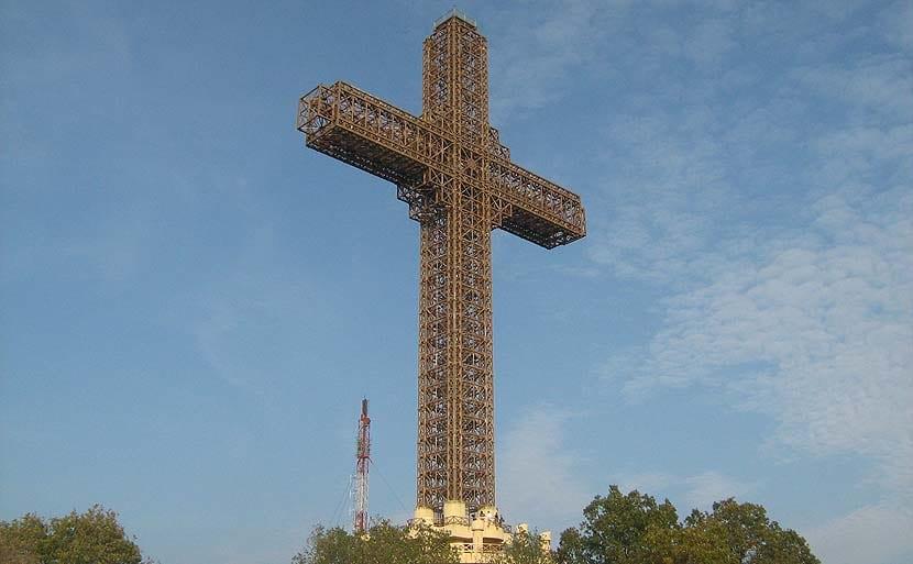 Cruz del Milenio en Skopje