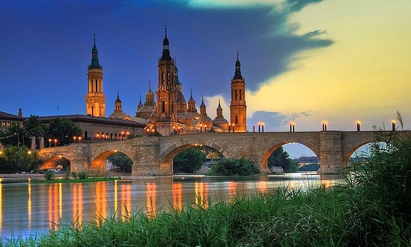 Ebro - Basilica_del_Pilar