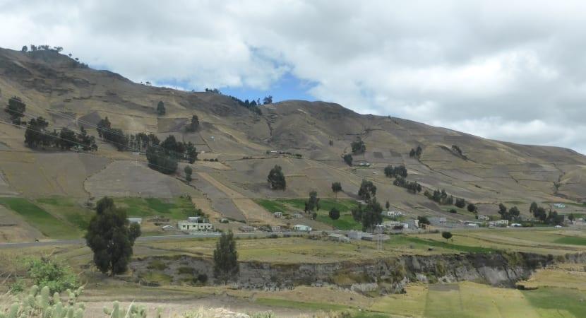 El Quilotoa volcán ecuador indigenas