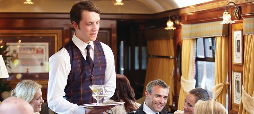 Cenas elegantes en el tren Belmond