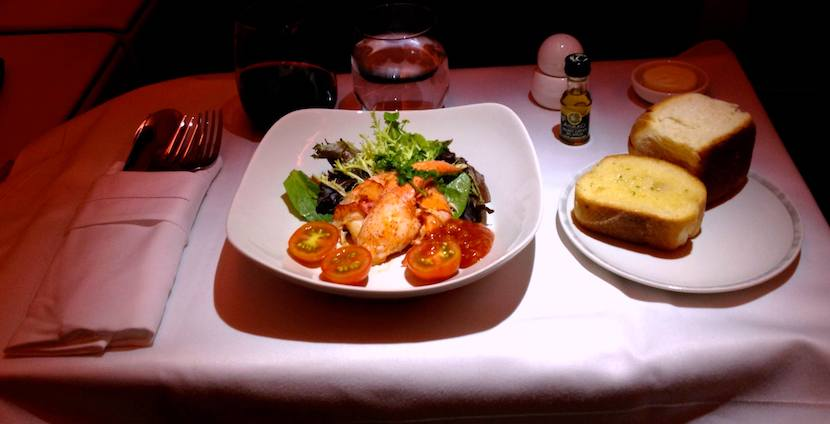 ¿Se puede llevar comida en el avión?
