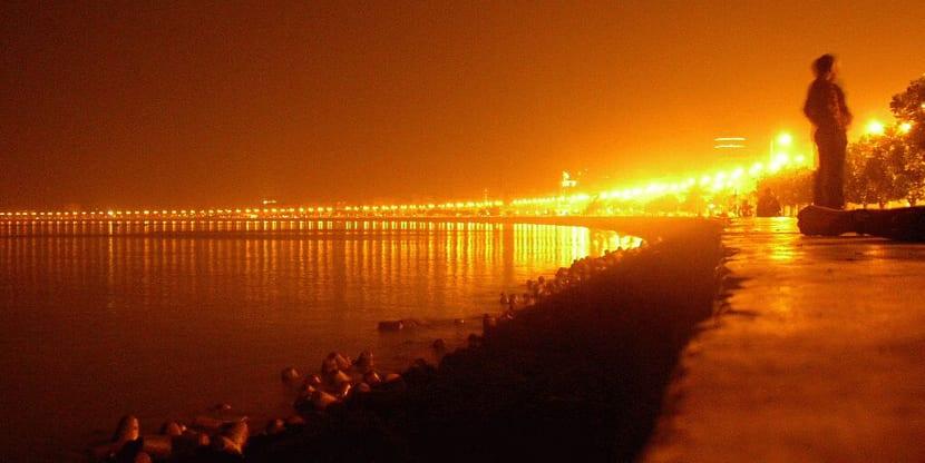 Marina Drive de noche