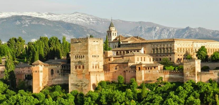 La Alhambra, monumento que tienes que ver en granada