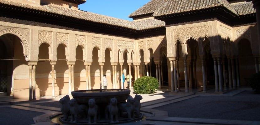 patio leones alhambra