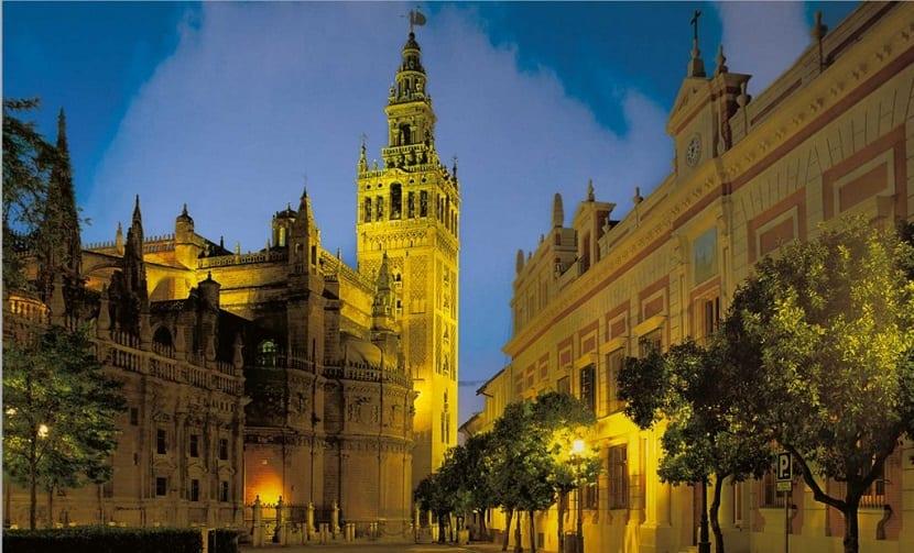 7 cosas gratis que ver en Sevilla - La Giralda