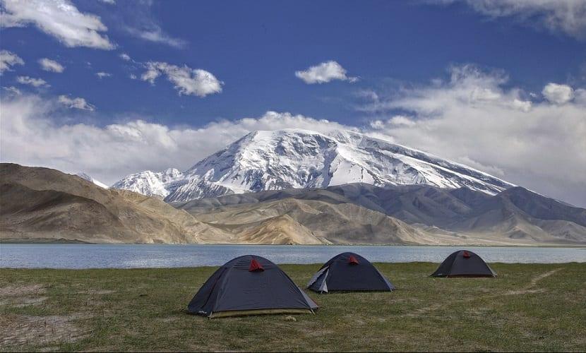 Qué cosas debes llevar si vas de acampada