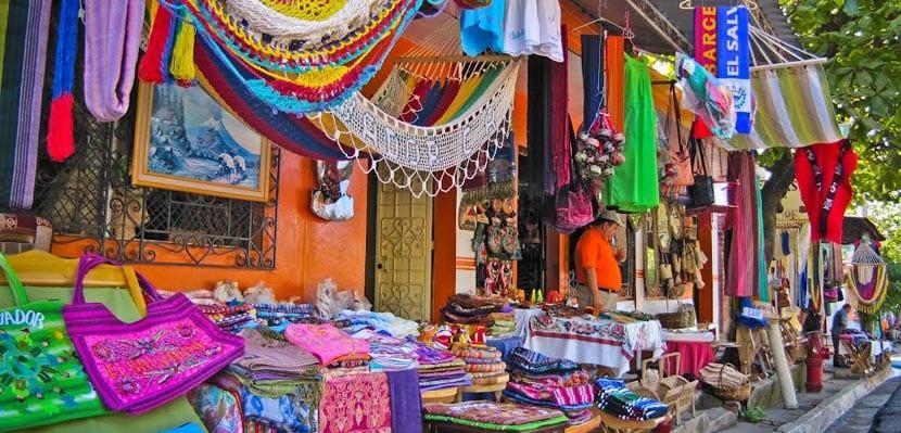 Mercados locales en la Ruta de las Flores