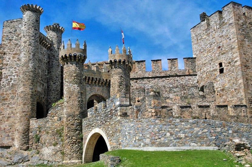 5 Castillos en España que deberías visitar - Castillo Templario de Ponferrada