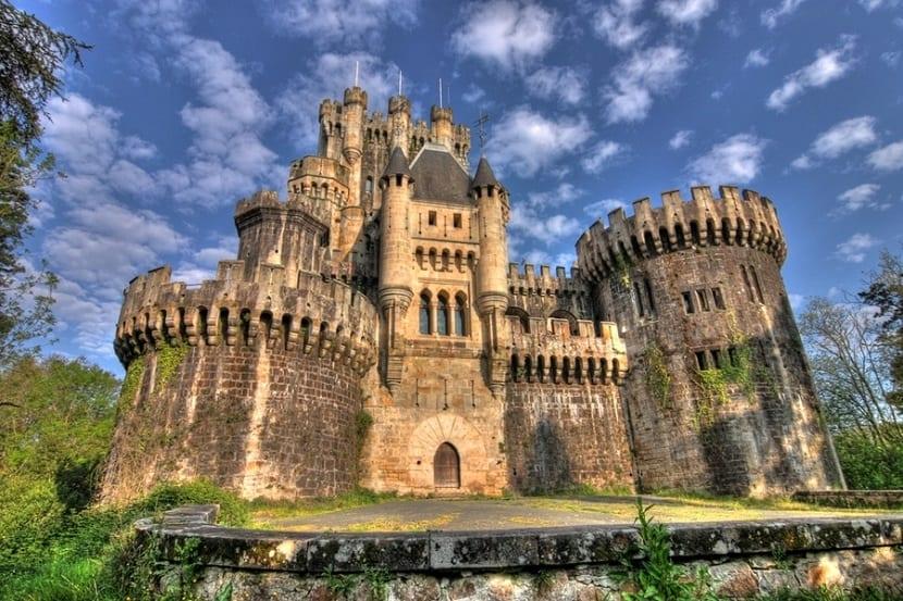5 Castillos en España que deberías visitar - Castillo de Butrón