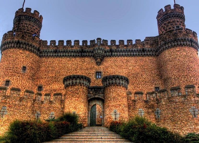 5 Castillos en España que deberías visitar - Manzanares el Real