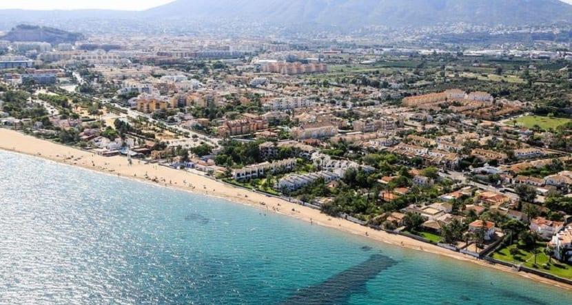 España ya cuenta con 686 banderas azules en sus playas y puertos - Les Marines