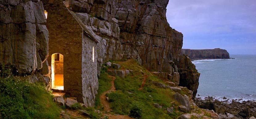 Capilla San Govan en Pembrokshire