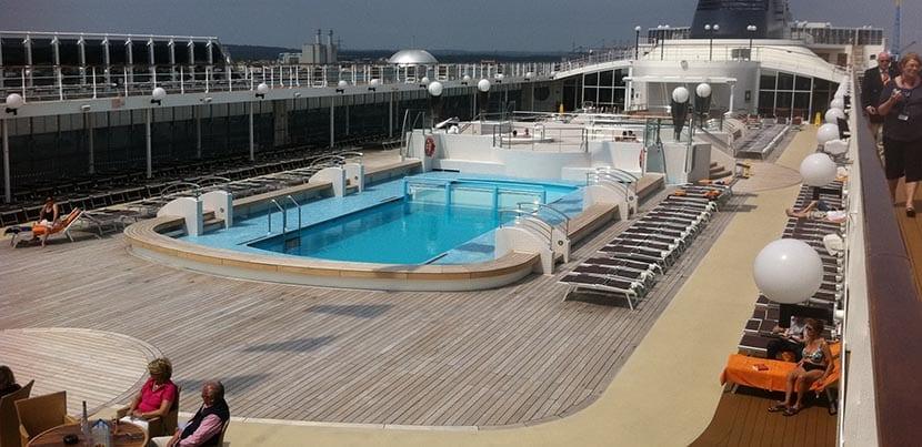 MSC Opera piscina