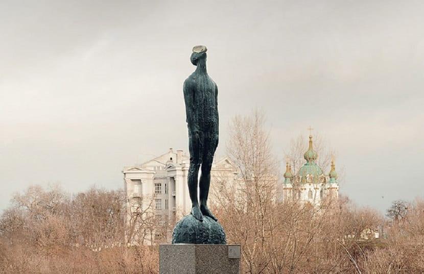 Esculturas que te gustará visitar si viajas por el mundo - Gota de lluvia