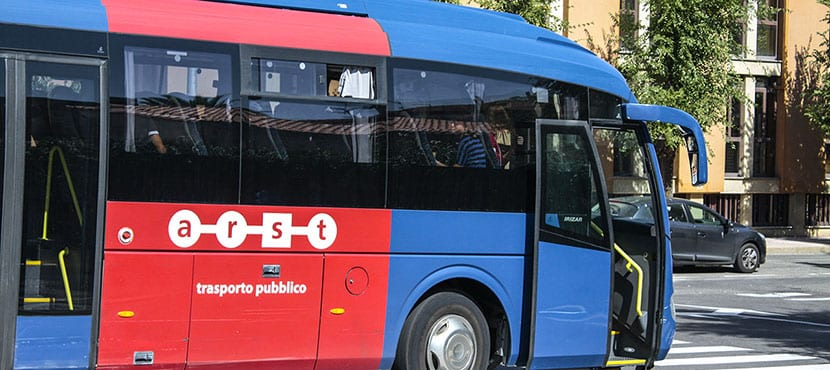 Autobús en Cerdeña