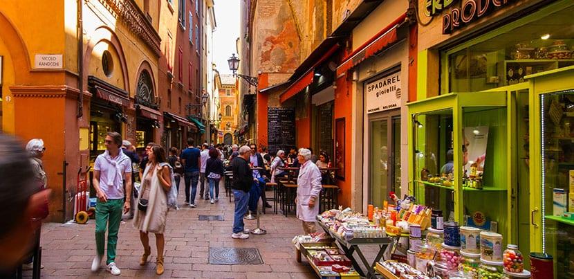 Caminando por Bologna