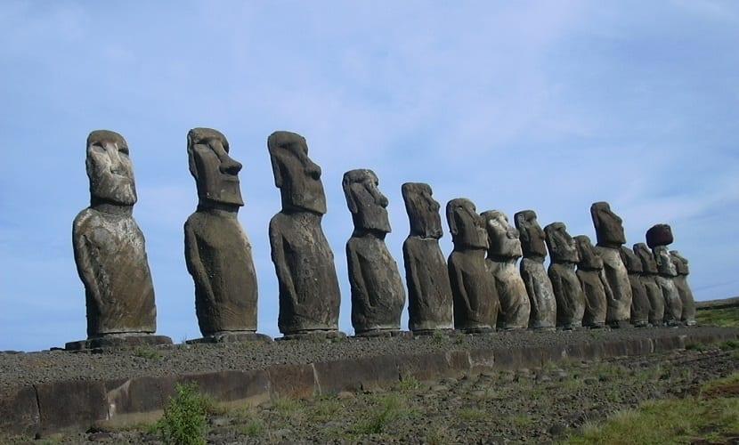 esculturas que te gustará visitar si viajas por el mundo - Moáis