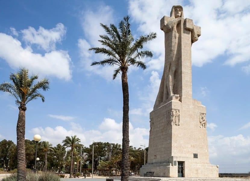 huelva-monumento-fe
