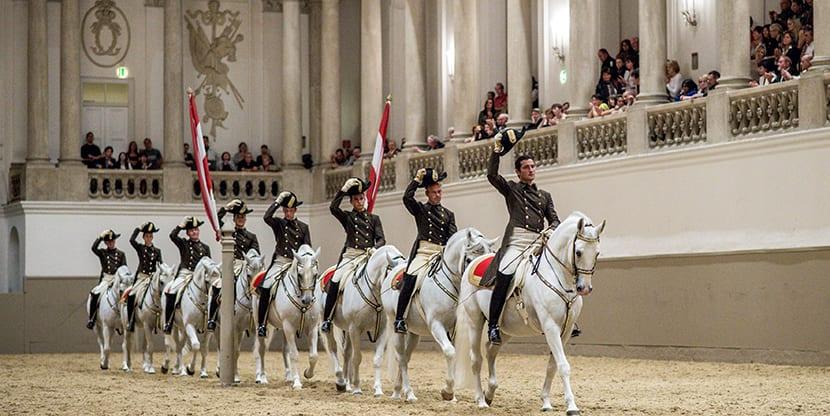 Escuela Imperial de Equitación