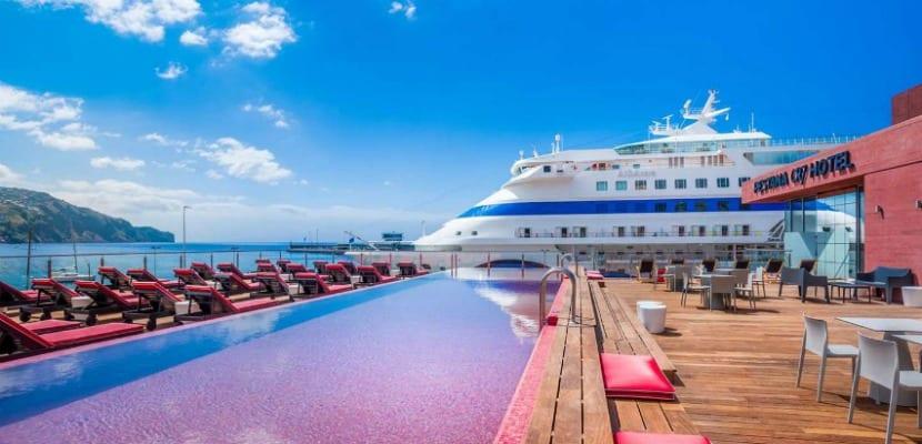 hotel-cr7-funchal-terraza