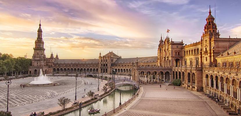 Los mejores sitios de inter s tur stico de espa a seg n for Manana abren los bancos en espana