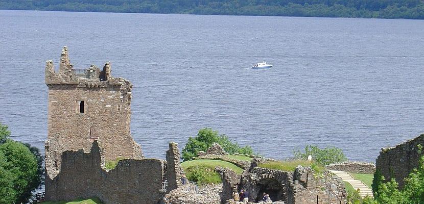 Castillo en en Lago Ness