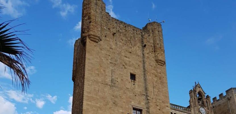Torre en Narbona