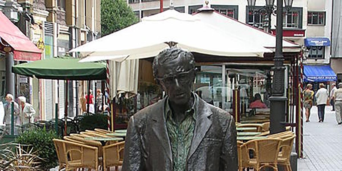 Estatuas en Oviedo