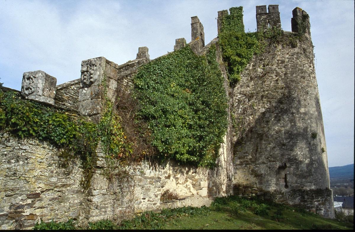 sarria torre fortaleza
