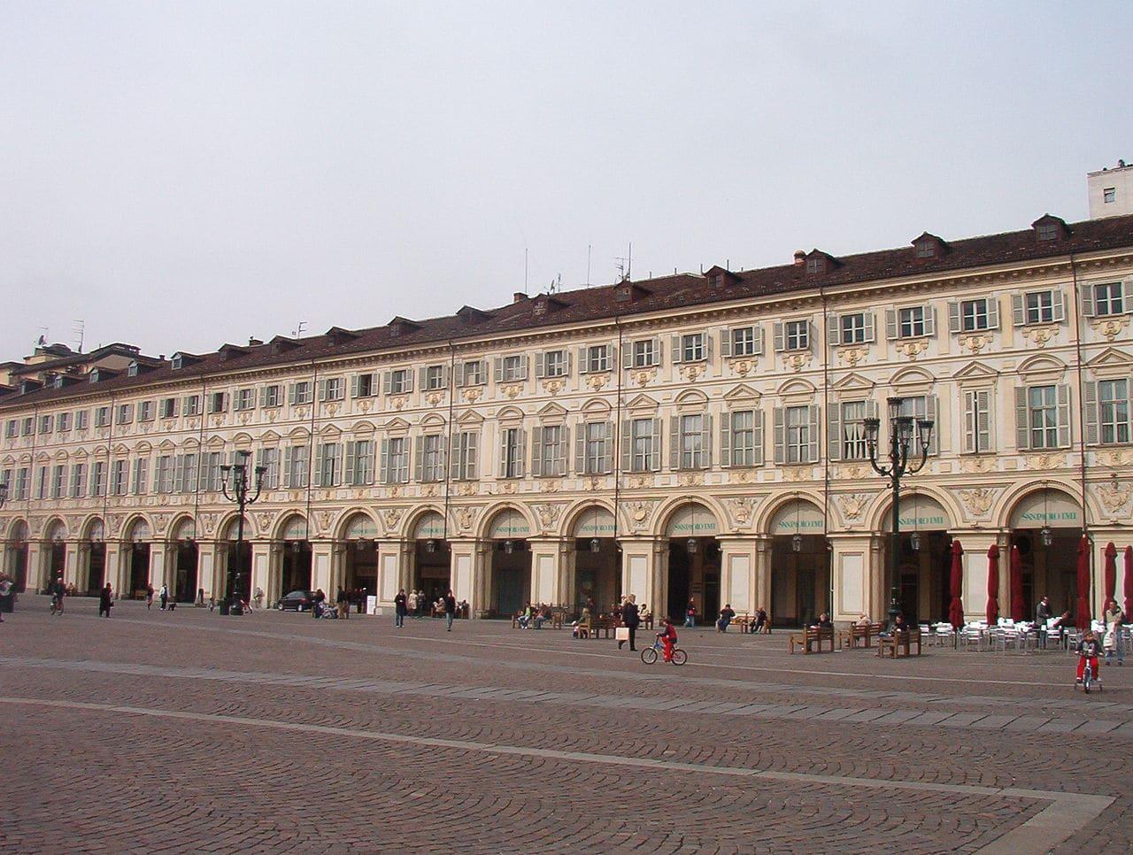 La plaza San Carlo