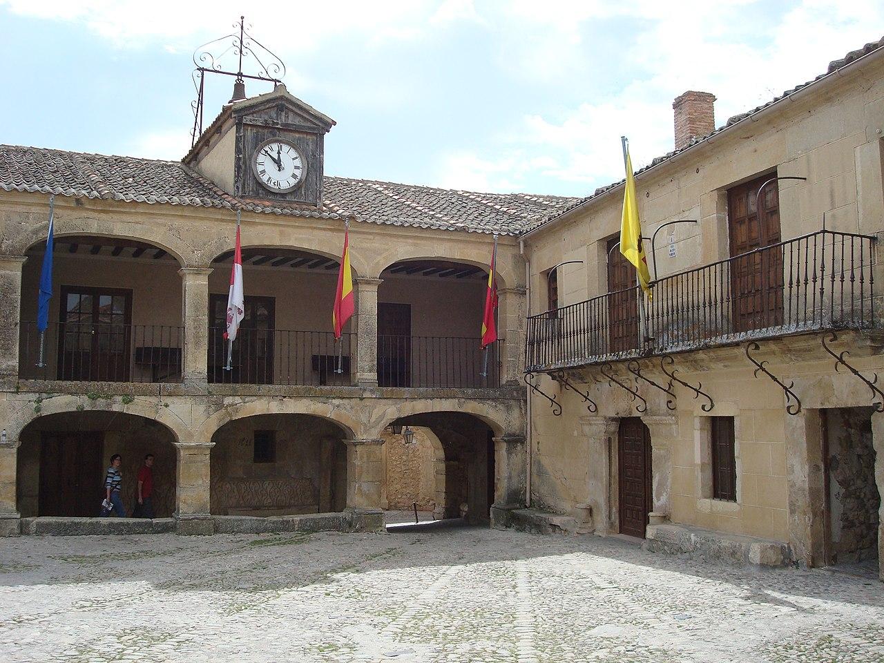 El Ayuntamiento de Pedraza
