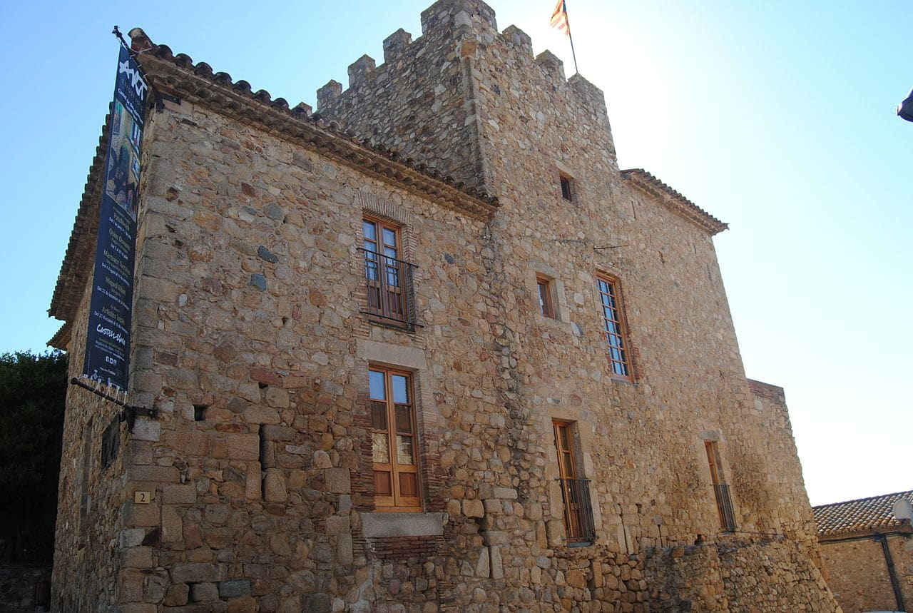 Vista del castillo de Benedormiens
